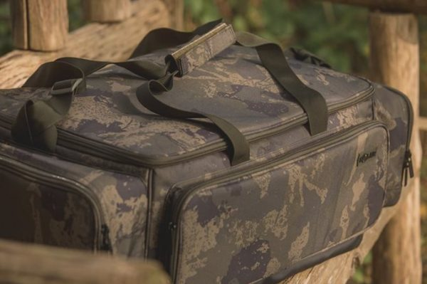 UNDERCOVER CAMO CARRYALL AND RUCKSACK